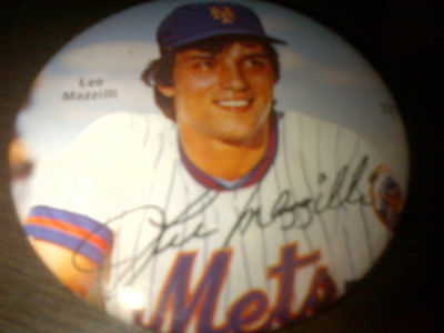 Lee Mazzilli Mets Button Pinback Pin  NICE CONDITION