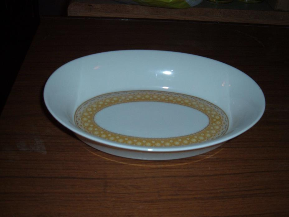 Mikasa Goldenaire Tempo-Seventy oval serving bowl or casserole