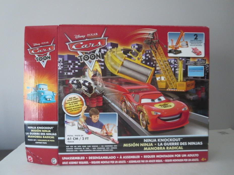 DISNEY PIXAR CARS NINJA KNOCK OUT SET NEVER USED IN BOX 2 SPECIAL CARS INCUDED