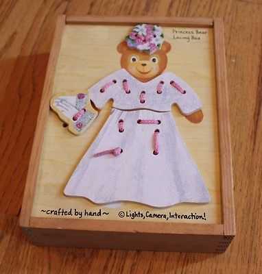 Melissa & Doug Wooden Toy Playset Princess Bear Lacing Lace Up Clothes Set  Box