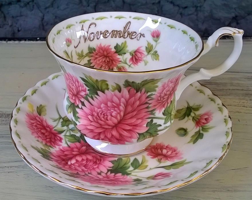 Royal Albert Flower of the Month Tea Cup & Saucer Set November Pink Mums