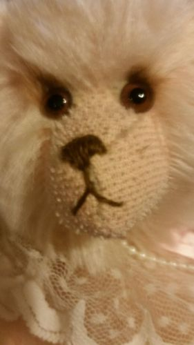 AMY Artist Bear Elegance Joan Woessner -Mink Eyelashes, Pink Mohair MINT $125 LE