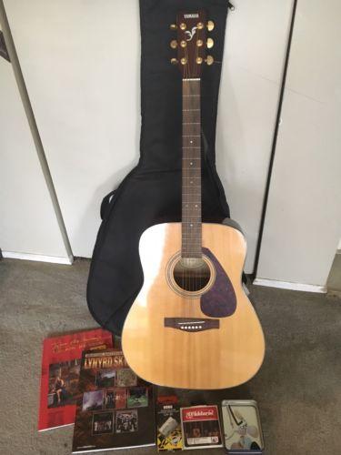 Yamaha F 335 Acoustic Guitar