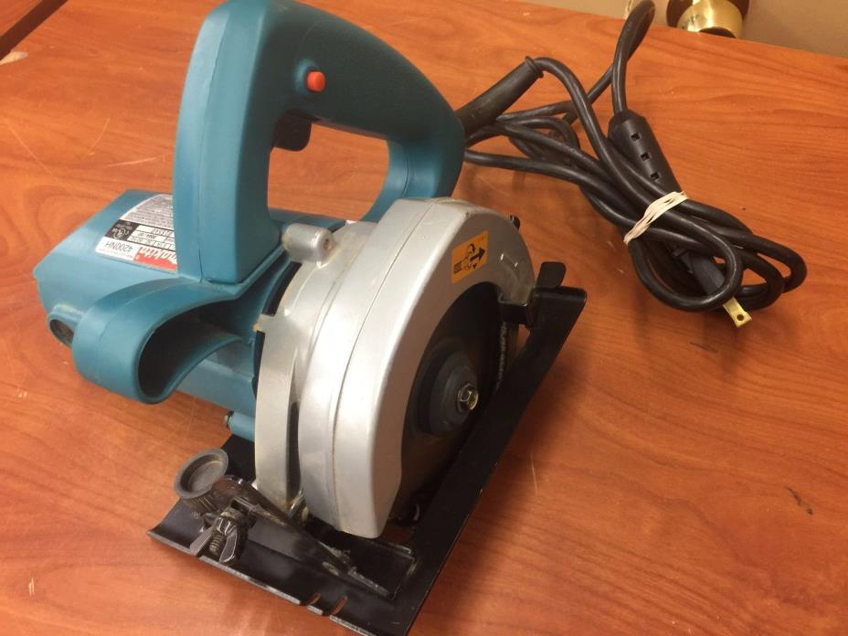 Makita 4200NH 4-3/8In 7.8-Amp Corded Circular Saw W/Blade