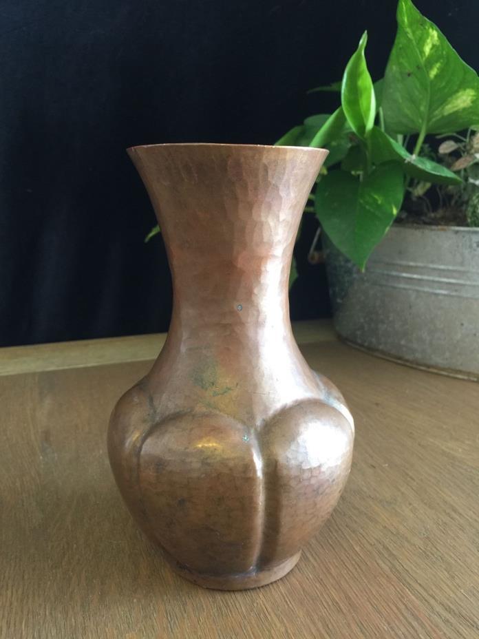 Antique Hammered Copper Vase Arts & Crafts Unsigned