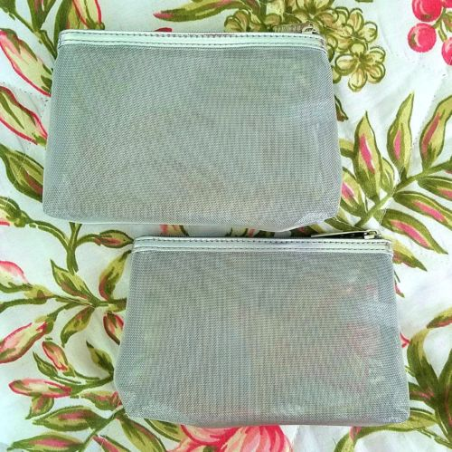 SET OF 2 SMAL SILVER MESH MULTI-USE COSMETIC CASES ZIPPER CLOSURES NWOT
