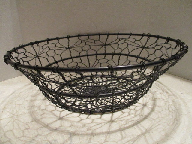 Black Round Metal Wire Bowl Style Flared Top Basket