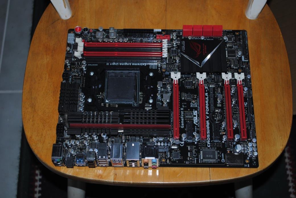 ASUS ROG Crosshair V Formula-Z AM3+ AMD 990FX + SB950 SATA 6Gb/s USB 3.0 ATX AMD