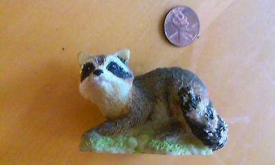 Racoon Figurine in great condition, so cute!