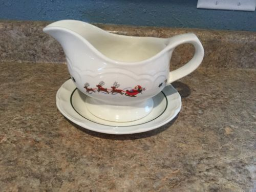 Pfaltzgraff Christmas Holiday SNOW VILLAGE Stoneware Gravy Boat with Underplate