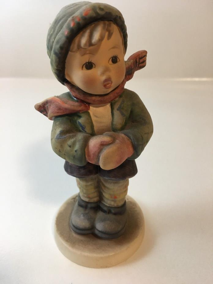 "GOEBEL Hummel Figurine ""IT'S COLD"