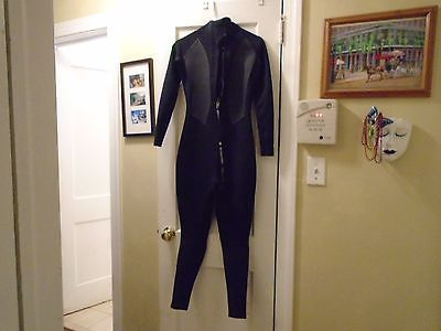 A Great Looking Woman's Size 8 Billabong Wet Suit