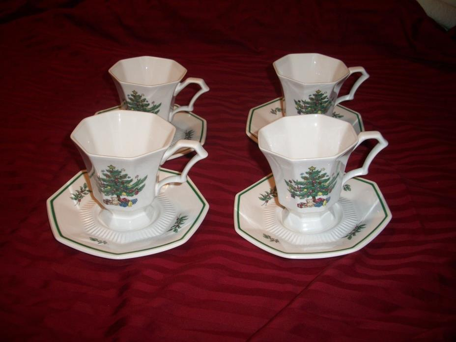 NIKKO CHRISTMASTIME HAPPY HOLIDAY OCTAGON 4 COFFEE TEA CUPS & 4 SAUCERS CLASSIC