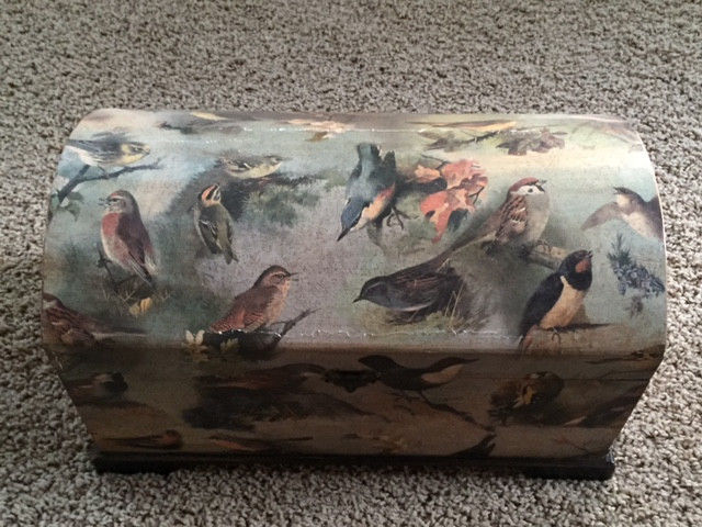 Beautiful, Antique-looking  Green Decorative Chest With Bird Pattern - Wow!