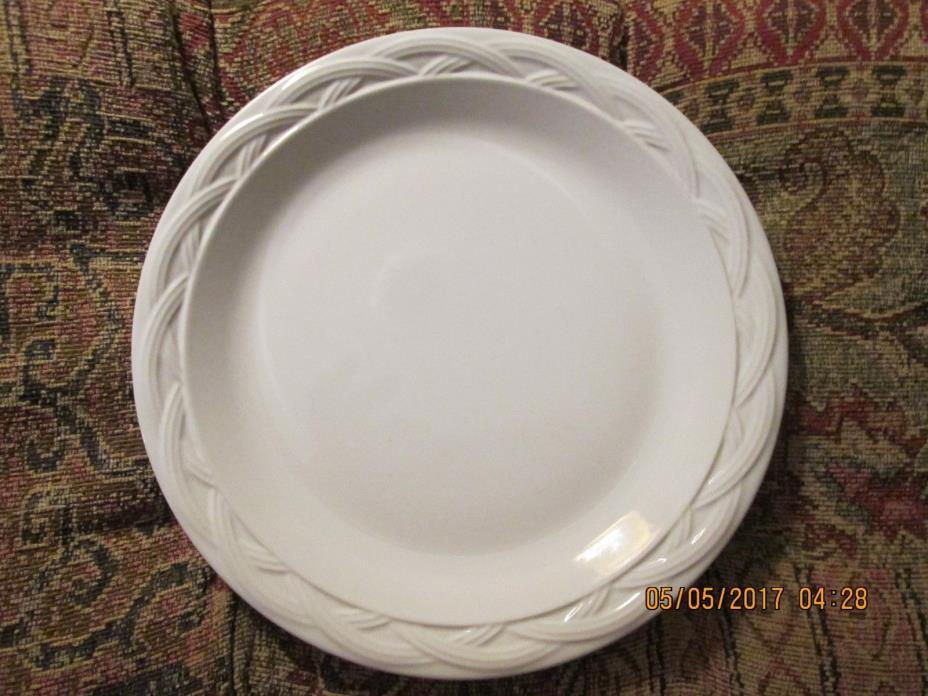 PFALTZGRAFF ACADIA WHITE DINNER PLATE IN WONDERFUL CONDITION