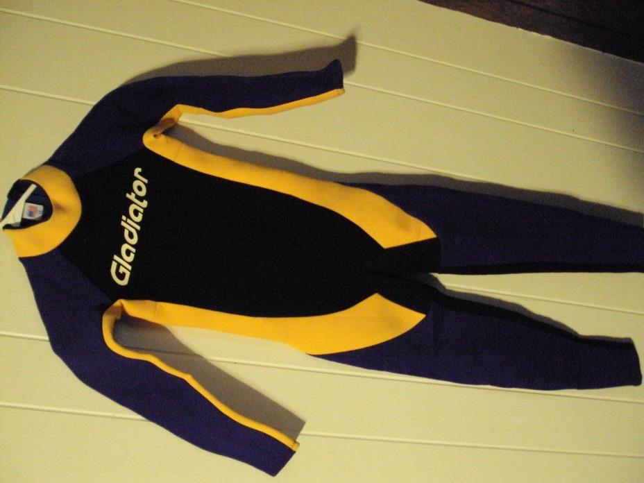 Gladiator Full Wet Suit Youth Size 12   5'0