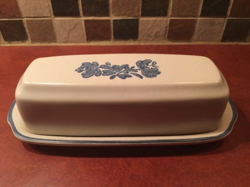 Pfaltzgraff YORKTOWNE Blue Covered Butter Dish EXCELLENT #28