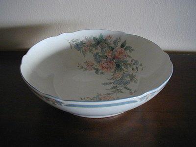 Noritake Brighton Springs Round Veggie Bowl - Vintage