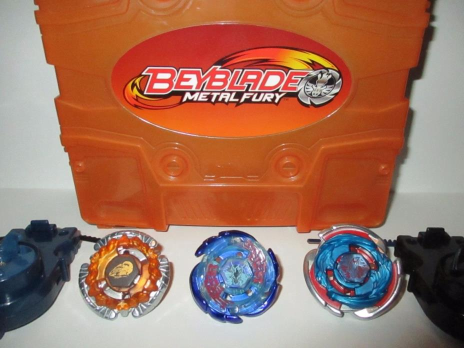BeyBlade Metal Fury Case w/ 3 Tops