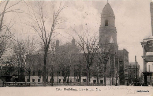 1906 LEWISTON MAINE City Building Berry  Paper Postcard undivided 3334