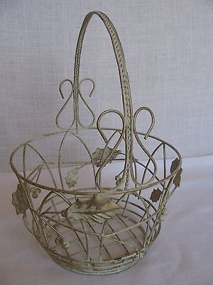 White Metal Wire Christmas Holly Gathering Basket 11