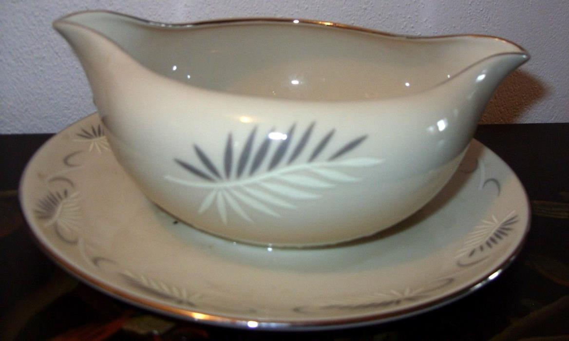 Flintridge China California Continental White Gravy Boat w Attached Underplate