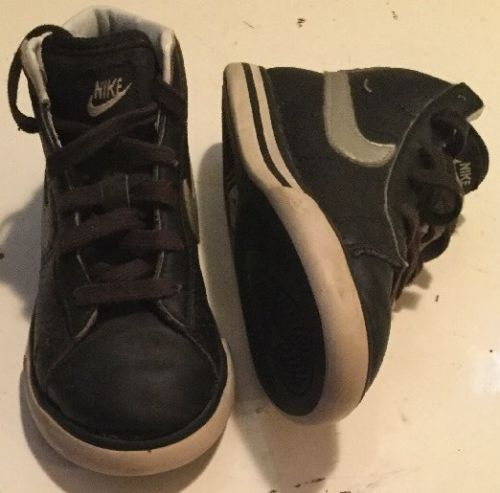 NIKE Chords Sneakers Size 9C Black w/ Silver Nike Swoosh High Top Shoes