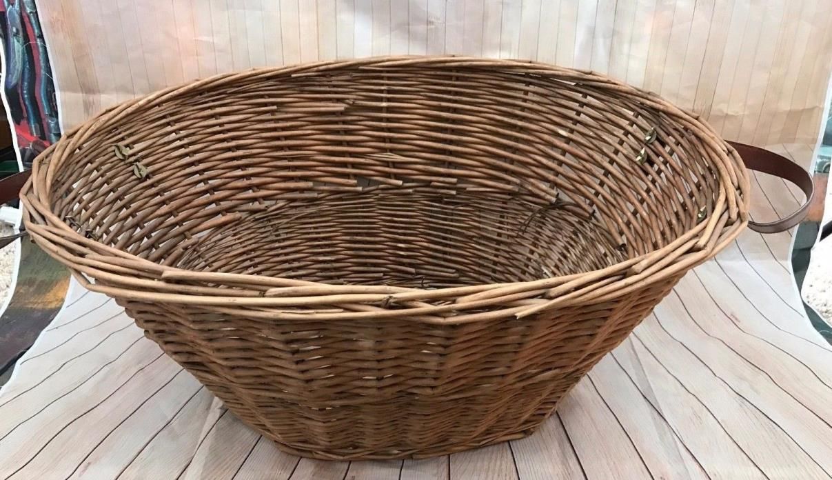 Vintage HUGE Wicker French Style Laundry basket w/ handles PRIMITIVE 23 x10 x16