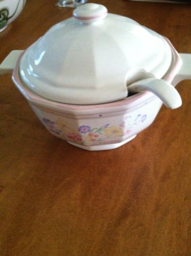 Sarma Studios Japan Victorian Flowers Small Tureen with Lid and Ladle