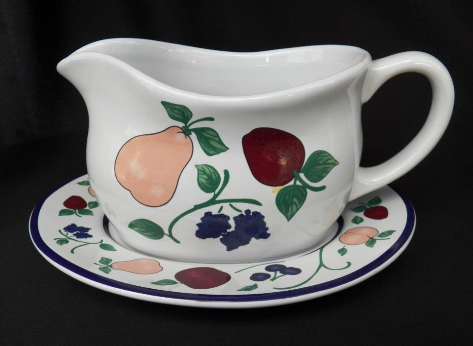 PRINCESS HOUSE ORCHARD MEDLEY GRAVY BOAT W/ UNDERPLATE