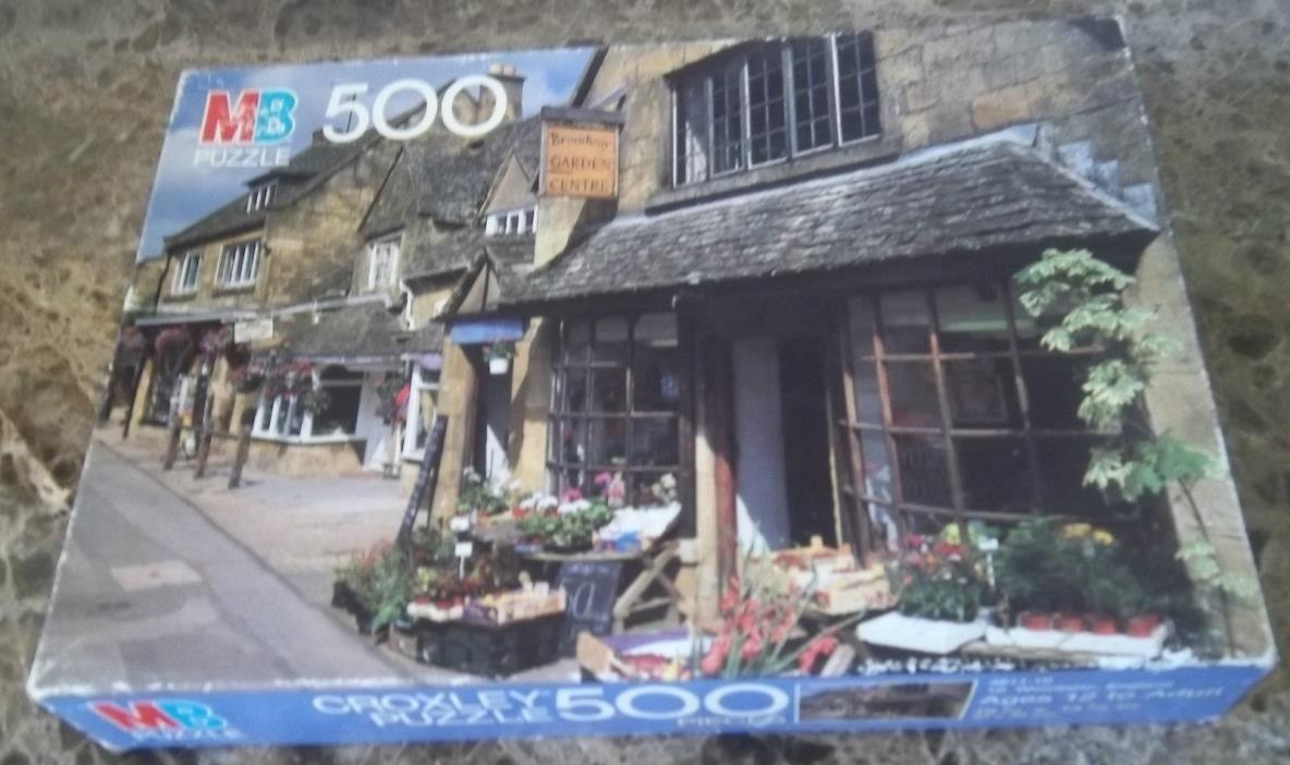 MB 500 piece CROXLEY : Worcester, England.  Used.  Puzzle is complete.