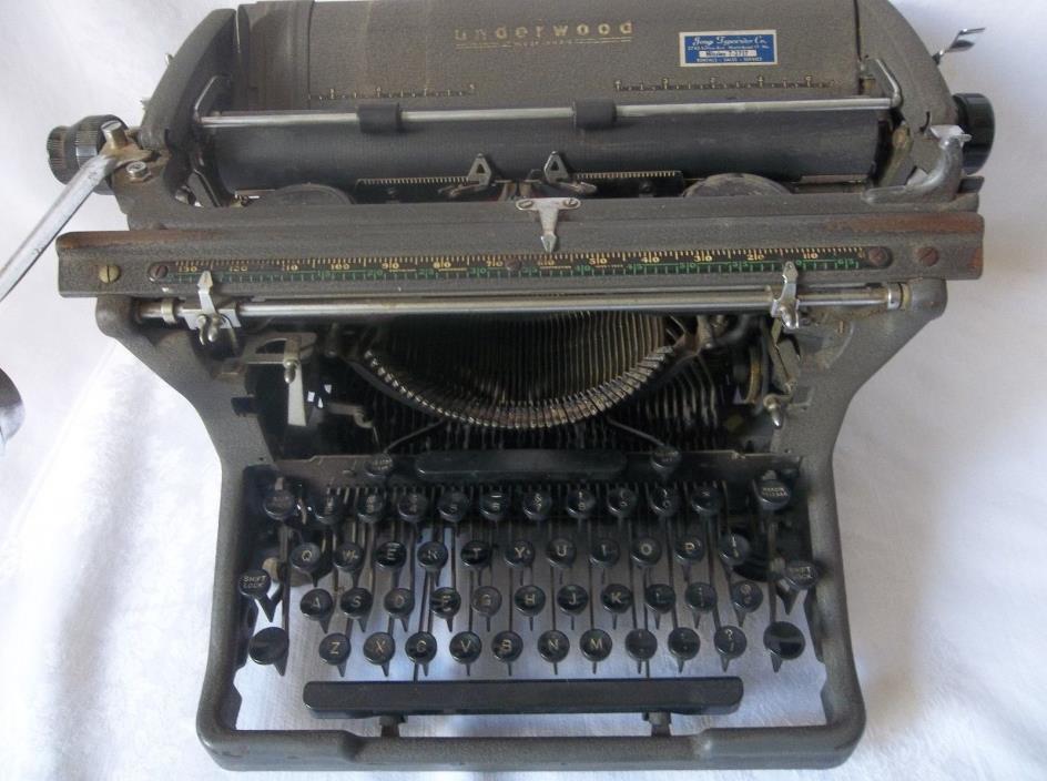 Vintage Antique UNDERWOOD Typewriter MADE IN USA WORKS 1920'S serial no 12659250