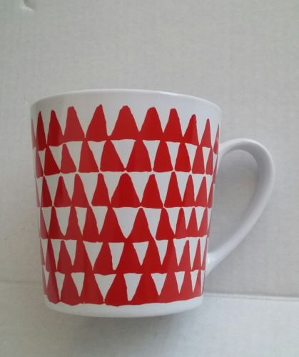 Starbucks Mug 2016 Red Triangle Trees 14.2 fl oz White Background Preowned