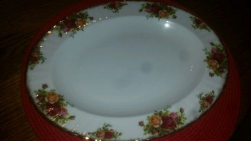 Perfect pre-owned Royal Albert 13 3/4 inch serving platter