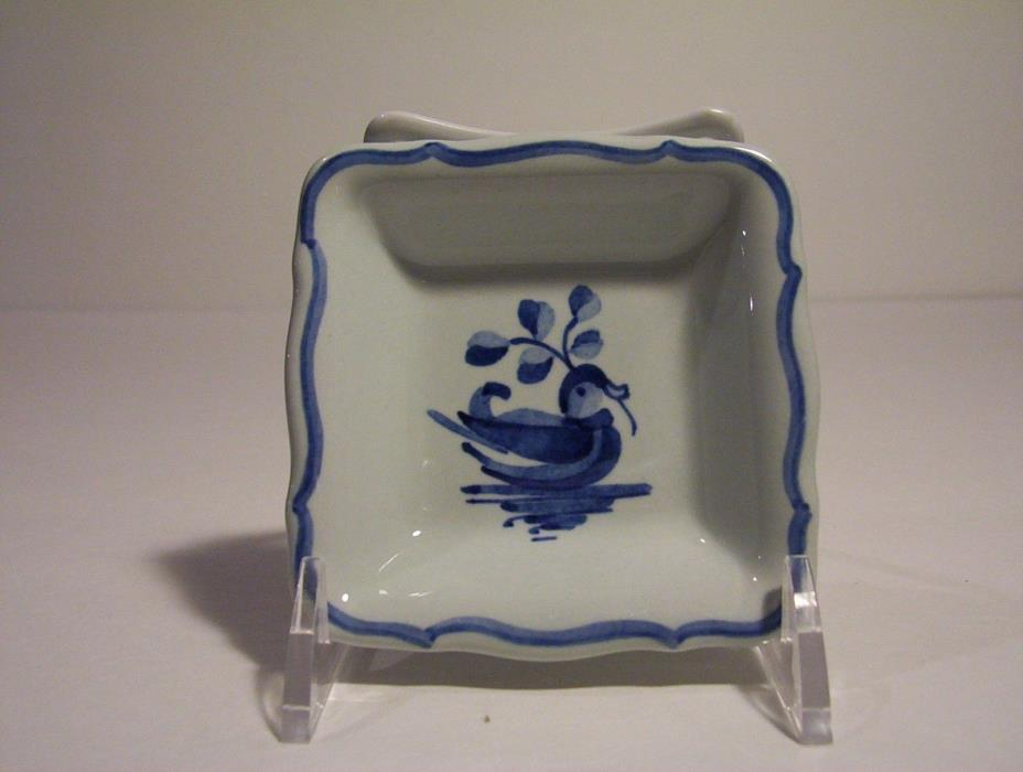 Royal Copenhagen Aluminia 1968 butter pat dish blue and white duck w/branch 4028