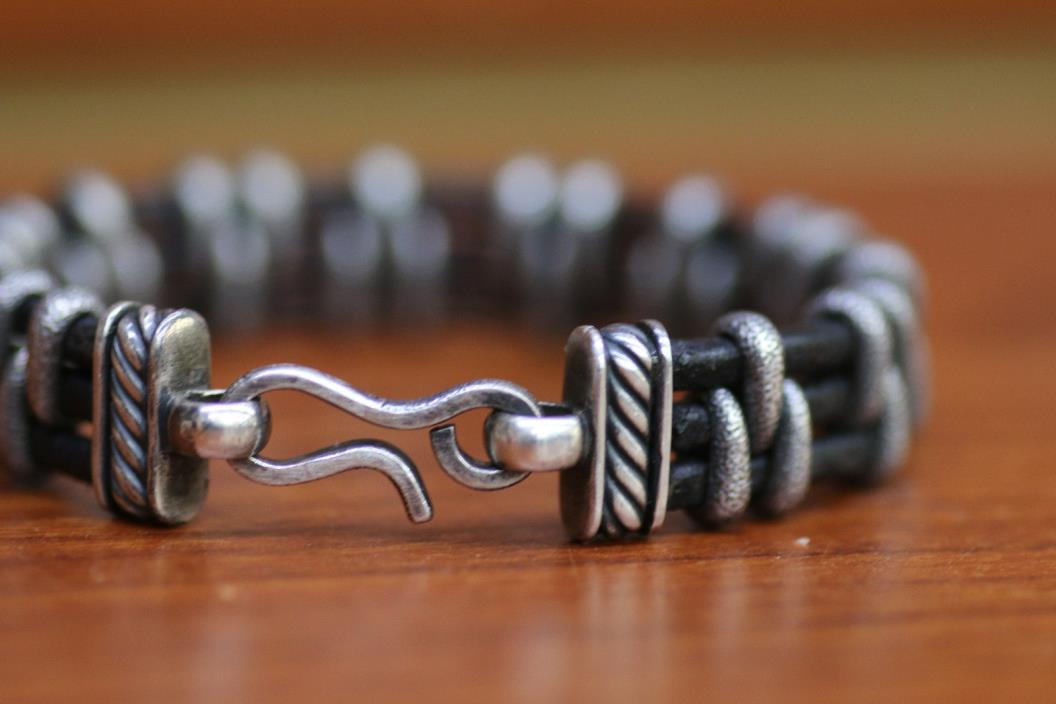 Mens DAVID YURMAN  Silver Black Leather Stippled Station Bracelet 7.5