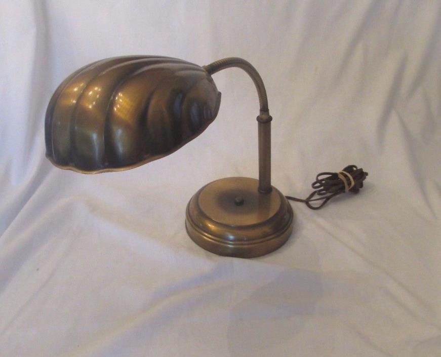 ANTIQUE BRASS CLAM SHELL GOOSENECK BANKERS ADJUSTABLE DESK LAMP 3-LIGHT CONTROL
