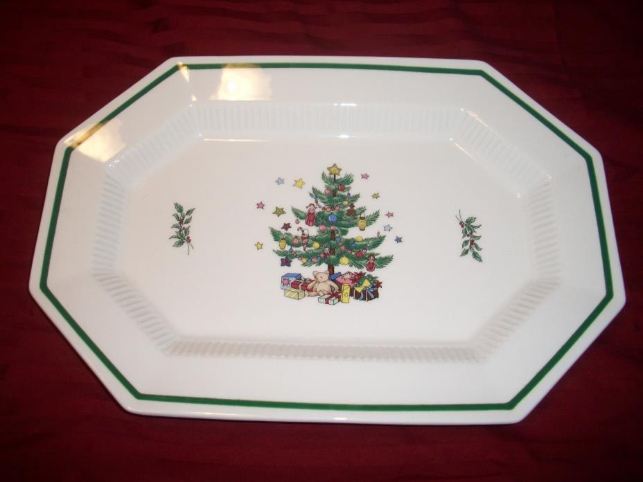 NIKKO CHRISTMASTIME HAPPY HOLIDAYS OVAL OCTAGON SERVING PLATTER MEAT DESSERT 13