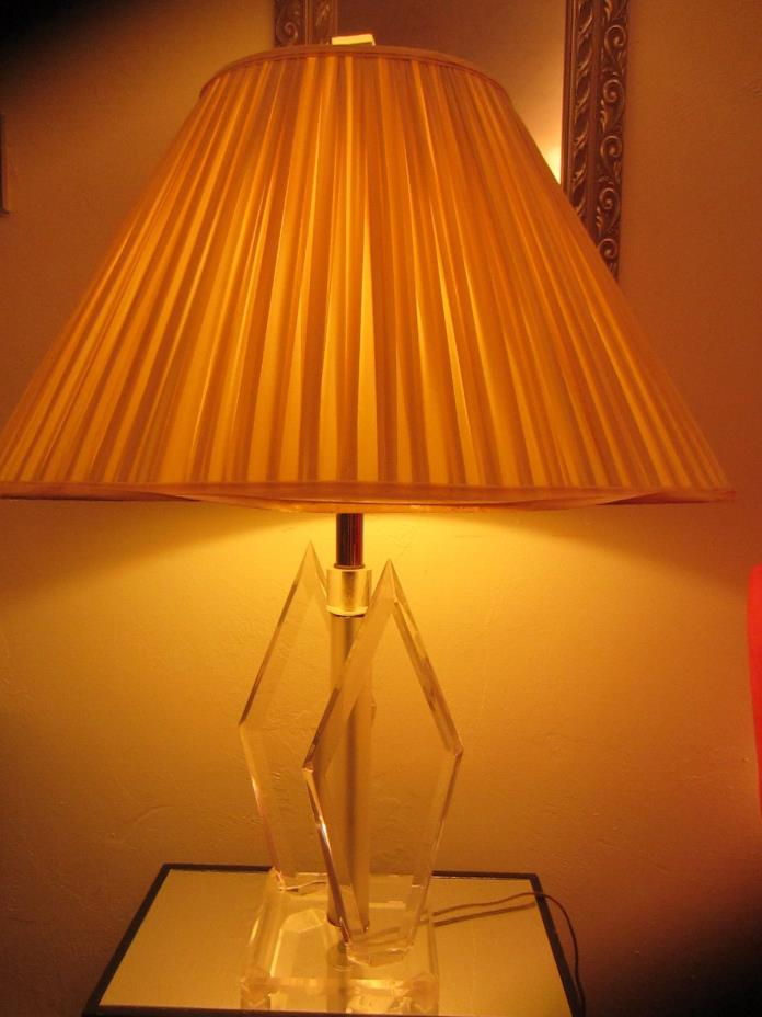 Mid-Century-Modern-Lucite-Acrylic-Helix-Triangle-Table-Lamp-Springer