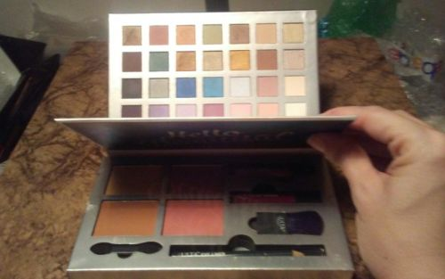 ULTA 28 Eyeshadow XL Palette Hello Beautiful +Eye Liner +Blush +Bronzer READ