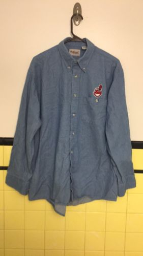 Cleveland Indians Button Down Shirt Small 16-16-1/2 32/33 MLB