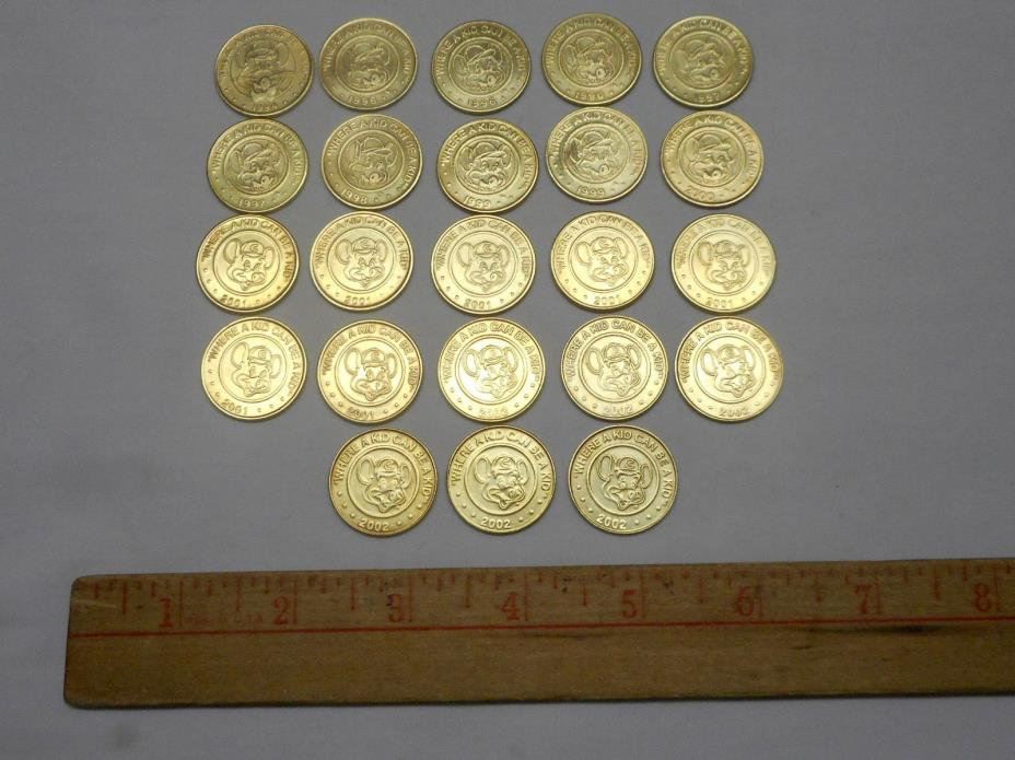 23 Chuck E. Cheese Tokens Lot 1994 1996(3) 1997(2) 1998 1999(2) 2000 2001(7)