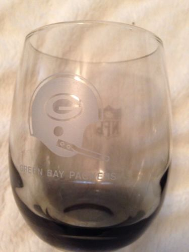 VINTAGE 1970'S NFL GREEN BAY PACKERS SMOKED HIGHBALL GLASS