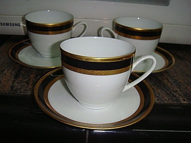 Set of 3 Blue Gold Hutschenreuther Olivia Cups and saucer. Porcelain china