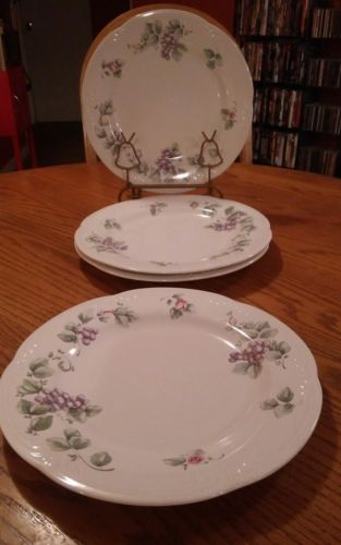 Pfaltzgraff white Dinner Plates purple Grapes & Pink Rose