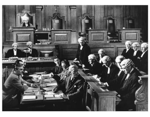THE PARADINE CASE great 8x10 courtroom scene still -- y059