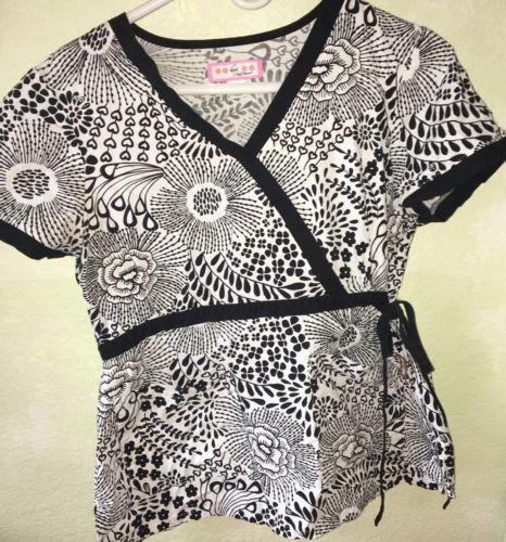Pre-Owned Koi By Kathy Peterson Size M Black And White Floral Print
