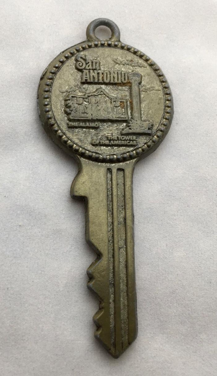 Vintage SAN ANTONIO TEXAS  /  Souvenir Key
