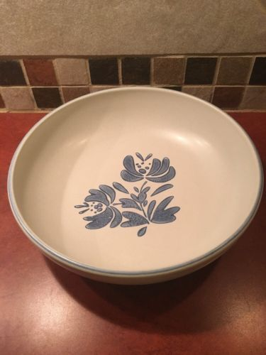 Pfaltzgraff Serving / Vegetable Bowl Blue Yorktowne 8.5