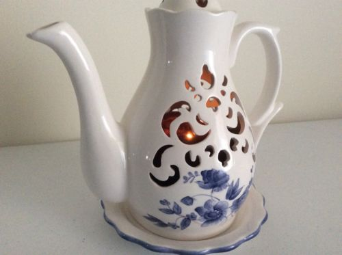 VINTAGE CANDLE HOLDER COFFE TEA POT PORCELAINE Light